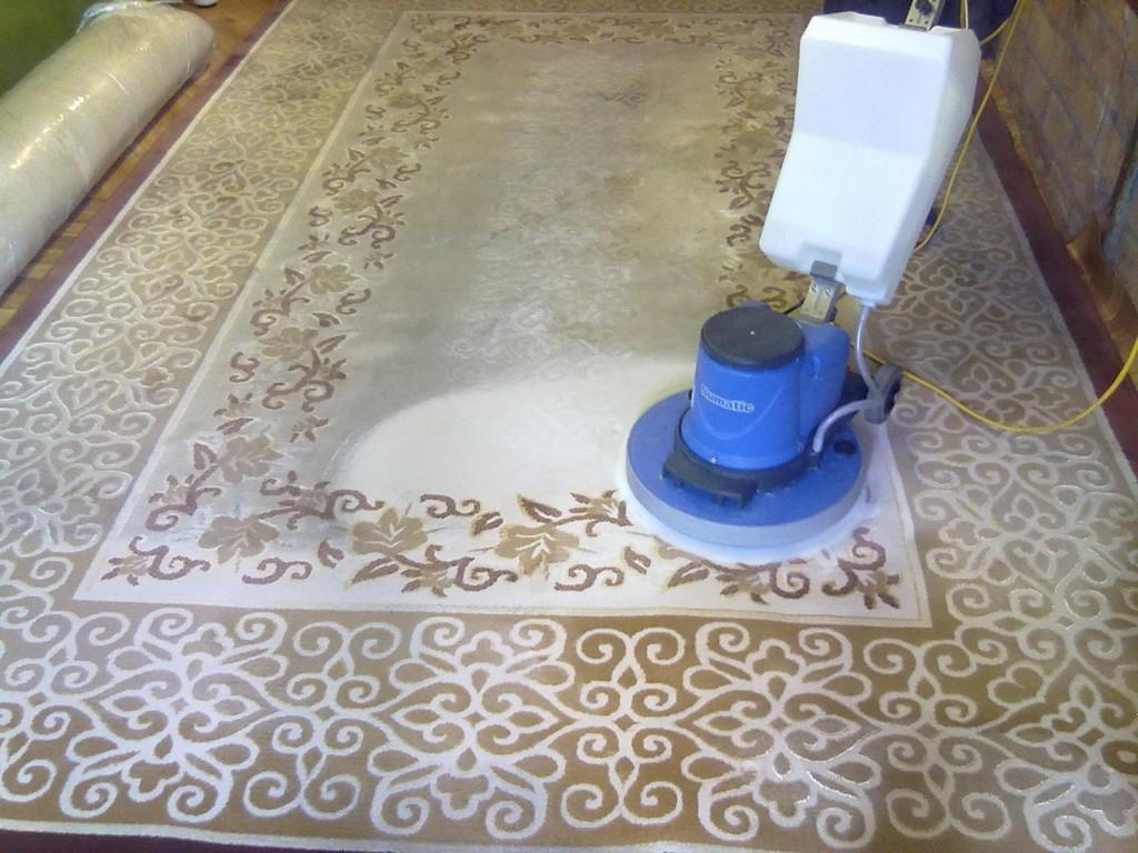 химчистка коврового покрытия